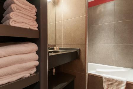 Location au ski Residence P&v Premium Les Crets - Mottaret - Baignoire