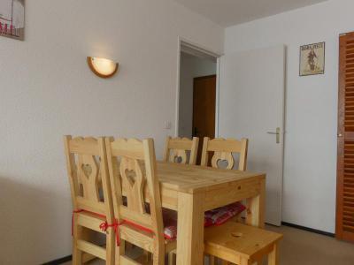 Location au ski Appartement 2 pièces 5 personnes (608) - Residence Plein Soleil - Mottaret - Banquette
