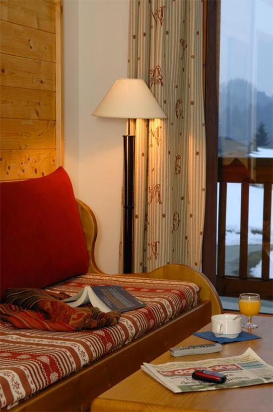 Location au ski Résidence Belles Roches - Notre Dame de Bellecombe - Canapé