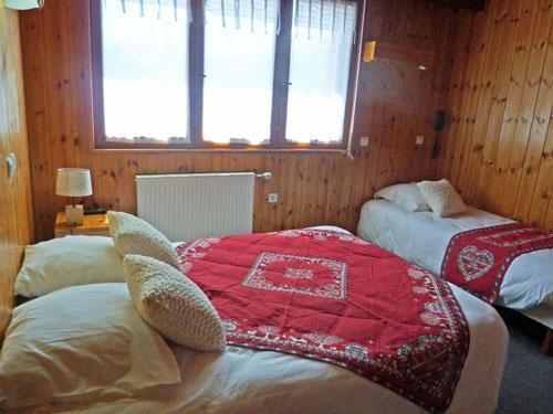 Location au ski Hotel Les Catrems - Orcières 1850 - Lit simple