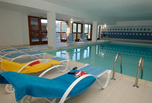 Residence les terrasses de la bergerie 35 orci res 1850 for Orcieres piscine