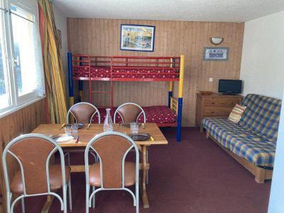 Location au ski Studio 4 personnes (122A) - Residence Le Rond Point Des Pistes I