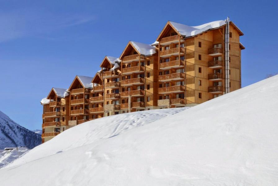 Vacances en montagne La Résidence Rochebrune Le Vallon - Orcières Merlette 1850 - Extérieur hiver
