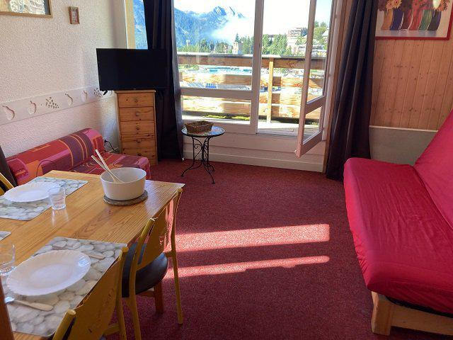 Rent in ski resort Studio sleeping corner 5 people (65B) - Résidence le Rond Point des Pistes II - Orcières Merlette 1850