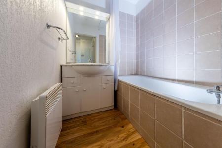 Rent in ski resort Résidence Etoile d'Orion - Orcières Merlette 1850 - Bathroom