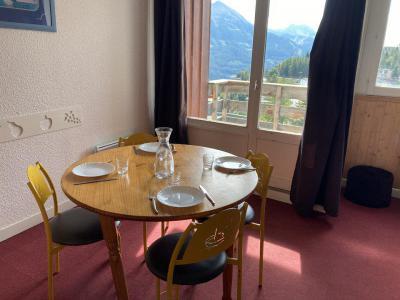 Rent in ski resort Studio sleeping corner 4 people (57A) - Résidence le Rond Point des Pistes I - Orcières Merlette 1850