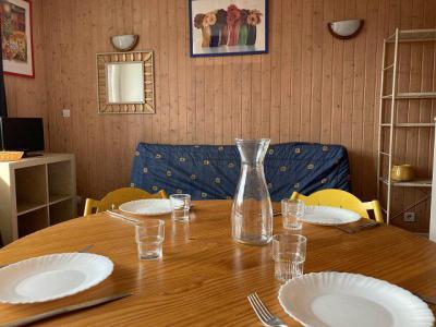 Rent in ski resort Studio sleeping corner 4 people (57A) - Résidence le Rond Point des Pistes I - Orcières Merlette 1850 - Living room