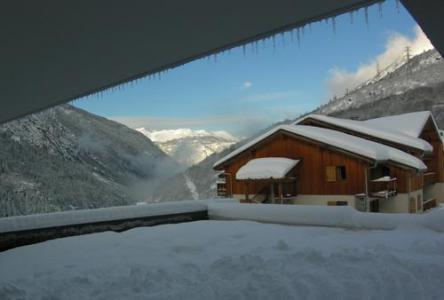 Location au ski Le Hameau Des Eaux D'orelle - Orelle - Extérieur hiver