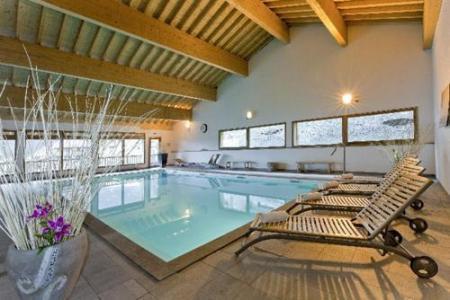 Location au ski Le Hameau Des Eaux D'orelle - Orelle - Piscine
