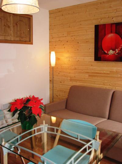 Rent in ski resort Le Hameau des Eaux d'Orelle - Orelle - Bench seat