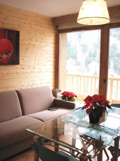Rent in ski resort Le Hameau des Eaux d'Orelle - Orelle - Living area