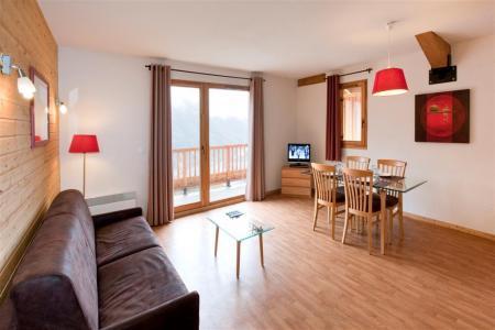 Rent in ski resort Le Hameau des Eaux d'Orelle - Orelle - Living room