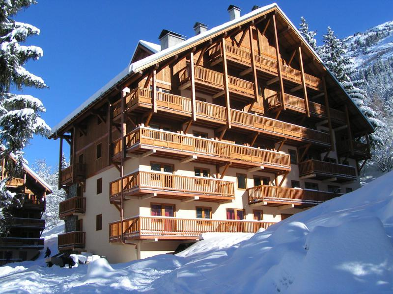 Rent in ski resort Résidence Chalet des Neiges - Oz en Oisans - Winter outside