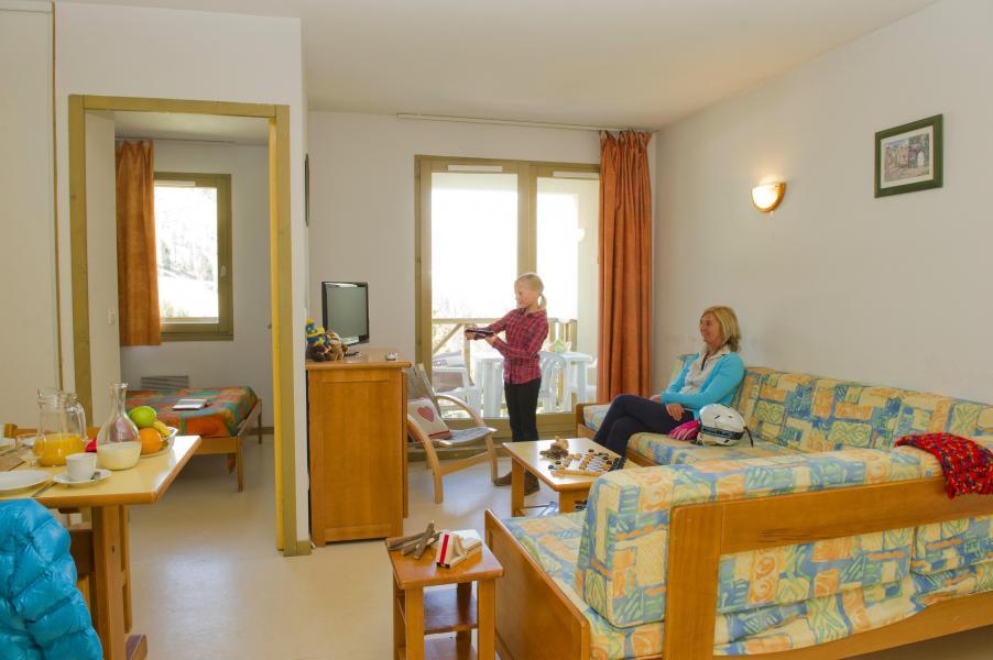 Rent in ski resort Résidence Couleurs Soleil - Oz en Oisans - Bench seat