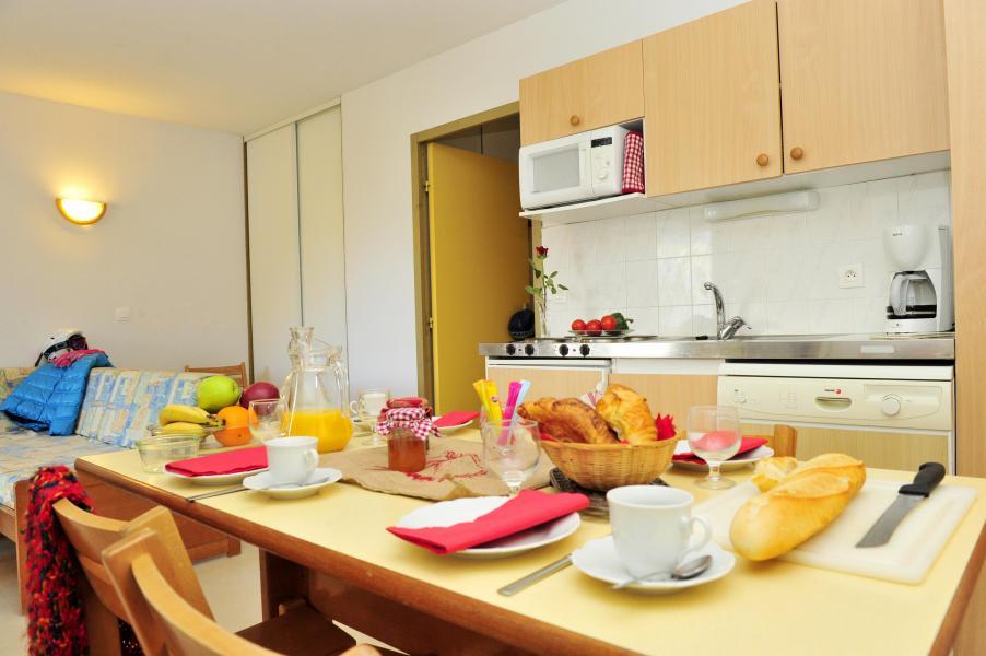 Rent in ski resort Résidence Couleurs Soleil - Oz en Oisans - Kitchen