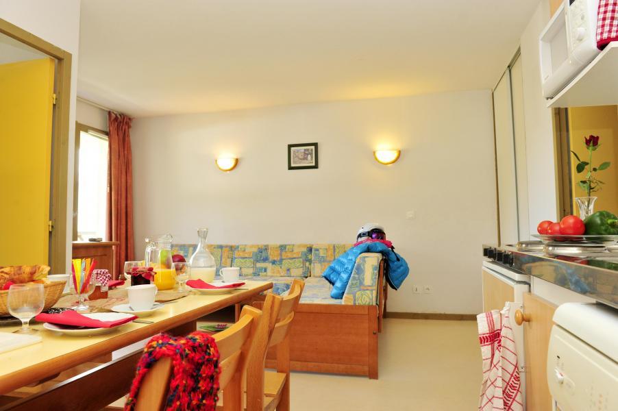 Rent in ski resort Résidence Couleurs Soleil - Oz en Oisans - Living room