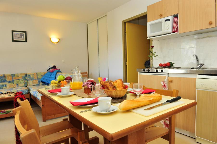 Location au ski Residence Couleurs Soleil - Oz en Oisans - Table