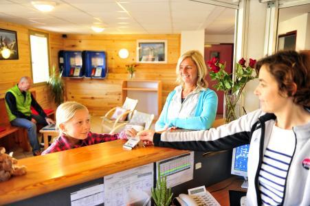 Location au ski Résidence Couleurs Soleil - Oz en Oisans - Réception
