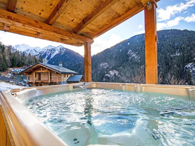 Rent in ski resort Chalet Balcon du Paradis - Peisey-Vallandry - Jacuzzi