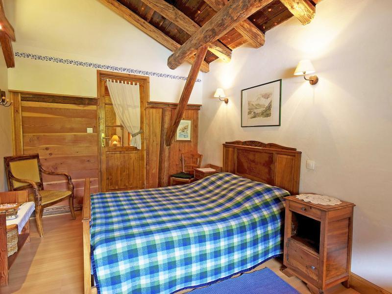 Rent in ski resort Chalet de Claude - Peisey-Vallandry - Bedroom