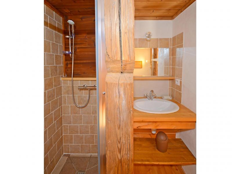 Rent in ski resort Chalet Pierra Menta - Peisey-Vallandry - Shower room