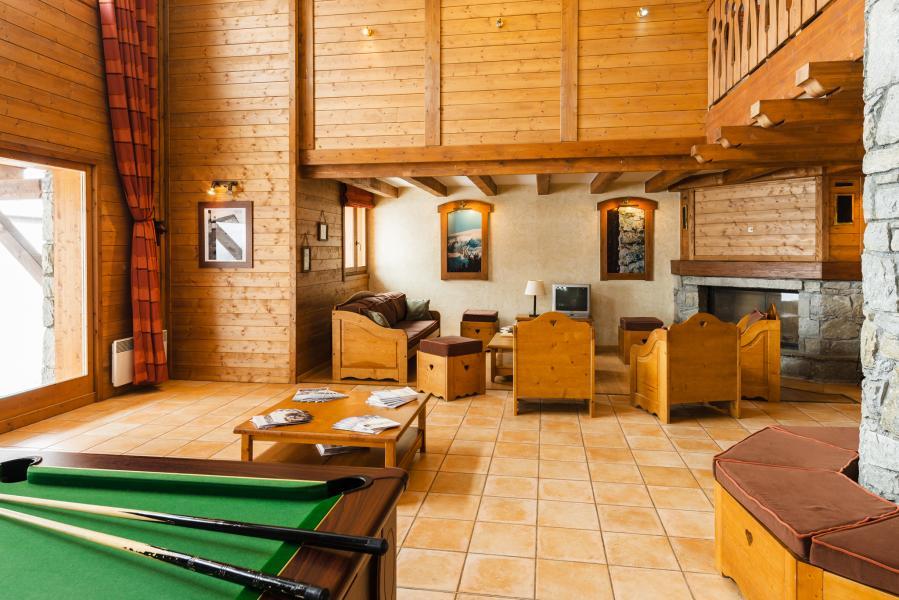 Rent in ski resort Résidence Lagrange l'Arollaie - Peisey-Vallandry - Pool