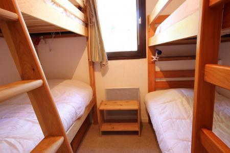Location au ski Appartement 2 pièces cabine 6 personnes (14) - Chalet Emmanuelle Ii - Peisey-Vallandry - Lits superposés