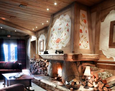 Rent in ski resort L'Orée des Cimes - Peisey-Vallandry - Fireplace