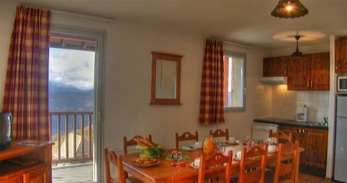Location au ski Appartement 2-3 pièces cabine 8 personnes - Le Hameau De Balestas - Peyragudes - Coin repas