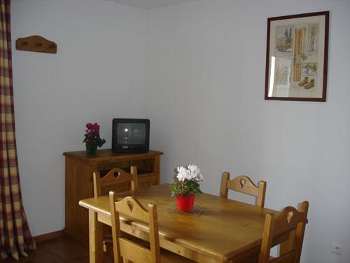 Location au ski Studio cabine 4 personnes - Le Hameau De Balestas - Peyragudes - Coin repas