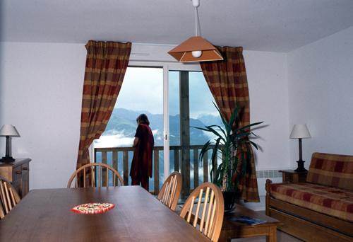 Location au ski Appartement 2 pièces 6 personnes - Residence Royal Peyragudes - Peyragudes - Porte-fenêtre donnant sur balcon