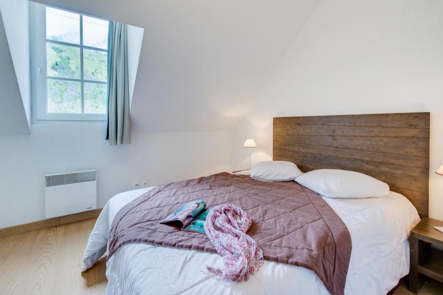 Rent in ski resort Résidence les Jardins de Balnéa - Peyragudes - Double bed