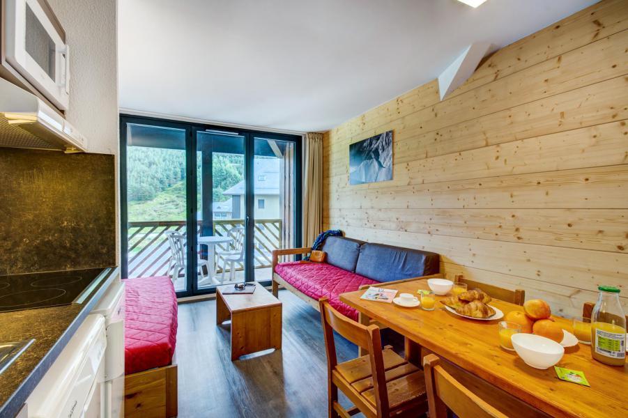 Rent in ski resort Résidence Privilège - Peyragudes - Living room