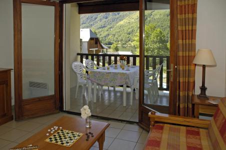 Location au ski Résidence la Soulane - Peyragudes - Porte-fenêtre donnant sur balcon