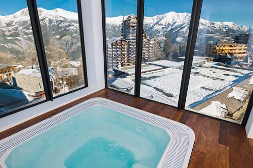 Location au ski Hotel Le Marmotel - Pra Loup - Jacuzzi