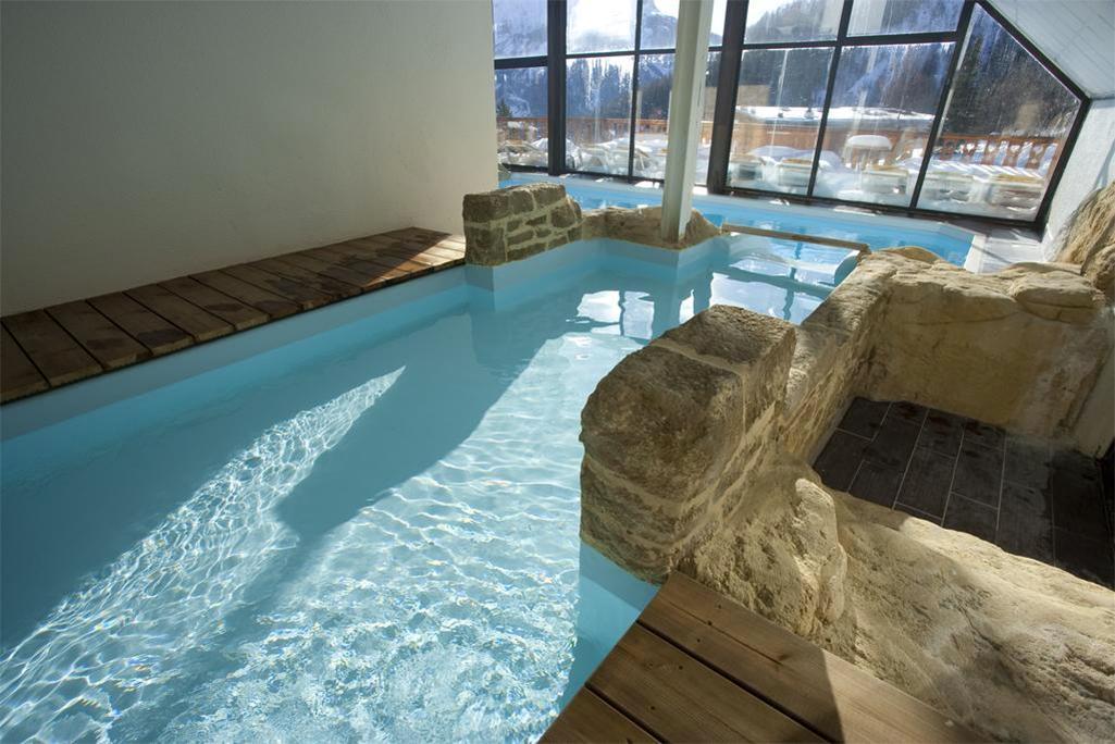 Location au ski Les Bergers Resort Hotel - Pra Loup - Piscine