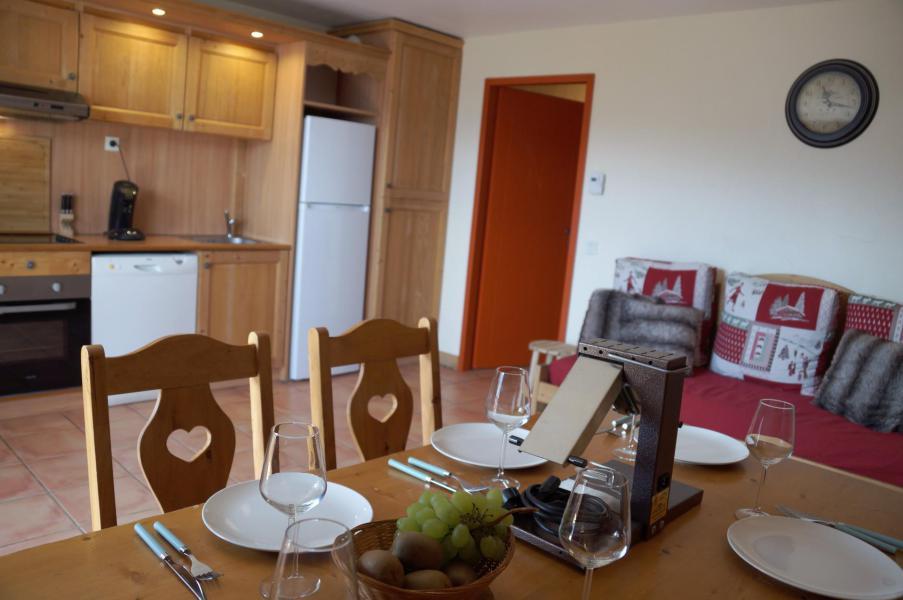Location au ski Appartement 3 pièces coin montagne 8 personnes (E03) - Les Chalets de Praroustan - Pra Loup - Table