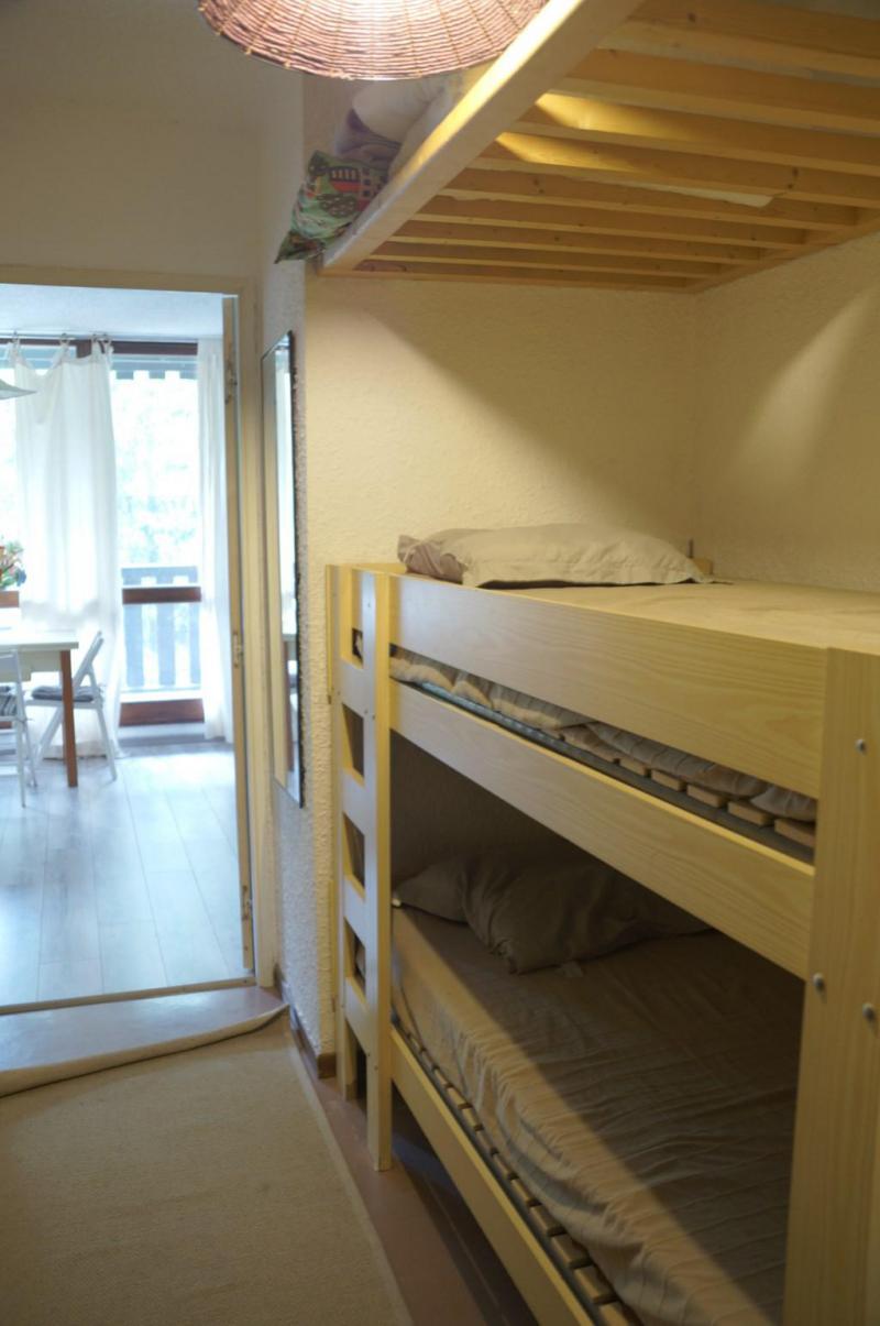 Rent in ski resort Studio sleeping corner 4 people (525) - Résidence la Bérangère II - Pra Loup - Seat bed- pull out bed