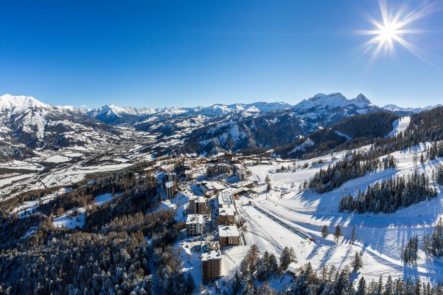 Аренда на лыжном курорте Sowell Résidences Pra Loup - Pra Loup - зимой под открытым небом