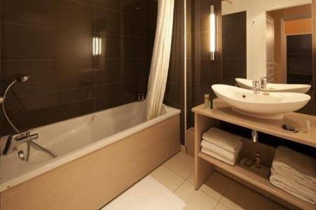 Rent in ski resort Le Château des Magnans - Pra Loup - Bathroom