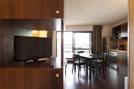 Rent in ski resort Studio 2-4 people (Residence) - Le Château des Magnans - Pra Loup - Living room