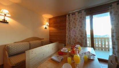 Location au ski Appartement 3 pièces cabine 7-8 personnes - Le Hameau De Praroustan - Pra Loup - Porte-fenêtre donnant sur balcon