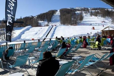 Location au ski Les Bergers Resort Hotel - Pra Loup - Terrasse