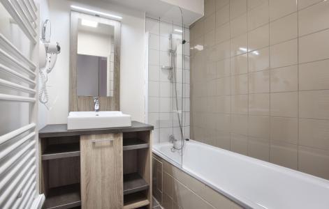 Rent in ski resort Résidence le Village de Praroustan - Pra Loup - Bathroom