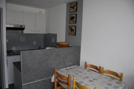 Rent in ski resort Studio sleeping corner 4 people (11B) - Résidence le Chasseforêt - Pralognan-la-Vanoise
