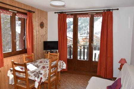 Rent in ski resort Studio sleeping corner 4 people (29) - Résidence le Grand Sud - Pralognan-la-Vanoise - Table