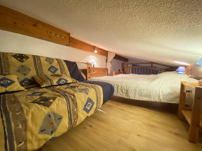Аренда на лыжном курорте Апартаменты 2 комнат с мезонином 5 чел. (B2L) - Résidence Clos des Meurets - Praz sur Arly - Мезонин