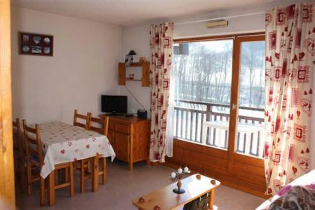 Rent in ski resort Studio sleeping corner 4 people (CDMA1H) - Résidence Clos des Meurets - Praz sur Arly - Dining area