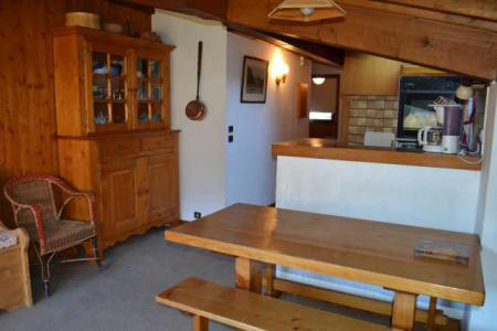 Rent in ski resort 3 room apartment 6 people (B4E) - Résidence le Clos d'Arly - Praz sur Arly - Table