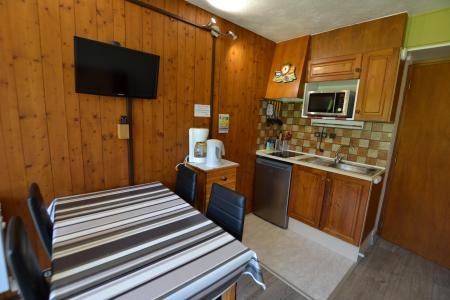 Rent in ski resort Studio sleeping corner 4 people (B1G) - Résidence le Clos d'Arly - Praz sur Arly - Kitchenette